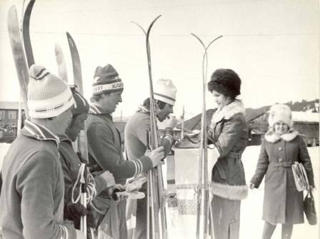 Хлебом-солью встречали хатнымансийцев, участников лыжного перехода Урай - Ханты-Мансийск