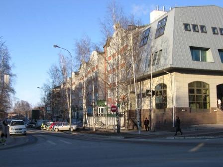Перекресток улиц Энгельса и Ленина