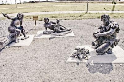 Скульптурная композиция «Мамонты» г. Ханты-Мансийск