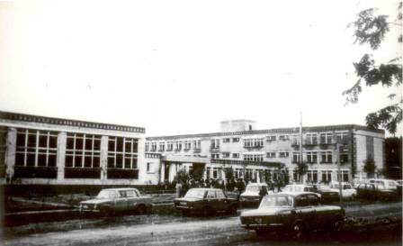 Ул.Калинина. Школа №3. 1988г.